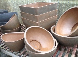 Lightweight bowls & square planters