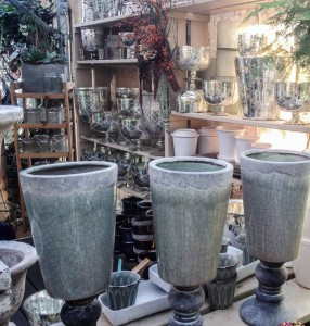 Pretty pots and cachepots...